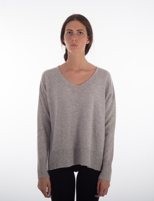 Ladies' cashmere v neck knitted sweater