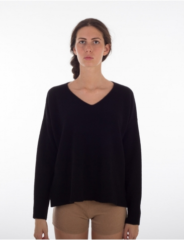 Cashmere v neck knitted sweater